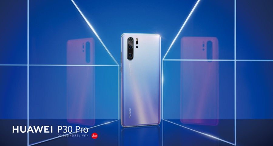 Huawei P30 Pro Lifestyle Color Horizontal Skyblue